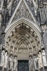 Erfolgsfaktor einer Weltreligion – Jesus und die Konsequenz - Petrus-Portal am Kölner Dom