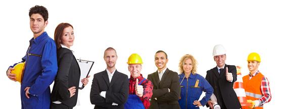 Mitarbeiterführung mit Unternehmenswert: Mensch auch im Team aus verschiedenen Arbeitern und einigen Ingenieuren