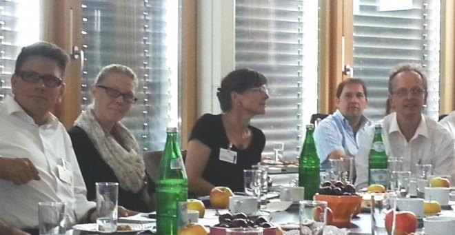 Runder Tisch Lambert Schuster und Teilnehmer