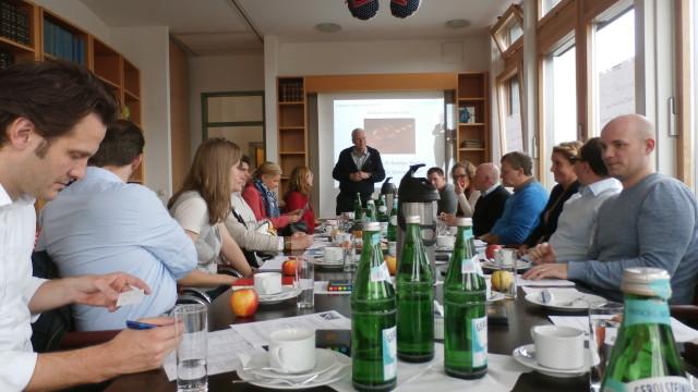 Netzwerken – Dreißig am Runden Tisch mit Lambert Schuster