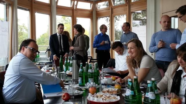 Internetrecht und Akquiserecht am Runden Tisch von Lambert Schuster in Köln