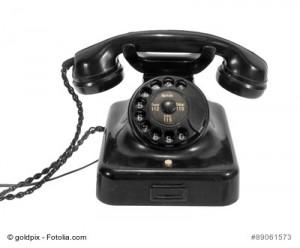 altes Telefon mit Wählscheibe
